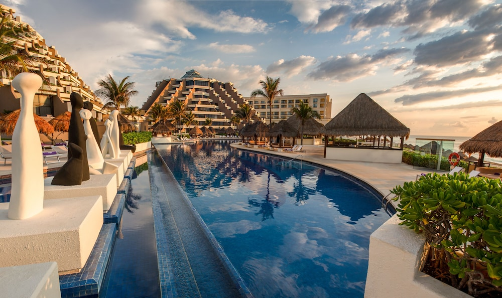 Terrace/Patio, Paradisus by Melia Cancun - All Inclusive