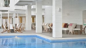 3 outdoor pools, open 8 AM to 8 PM, pool umbrellas, sun loungers