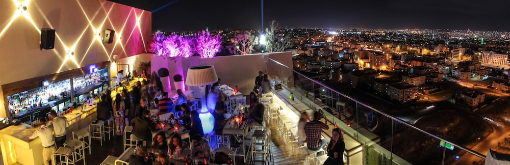 Bar, Regency Palace Amman