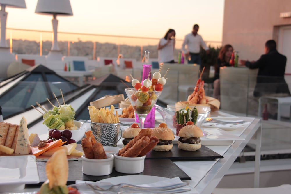 Outdoor Dining, Regency Palace Amman