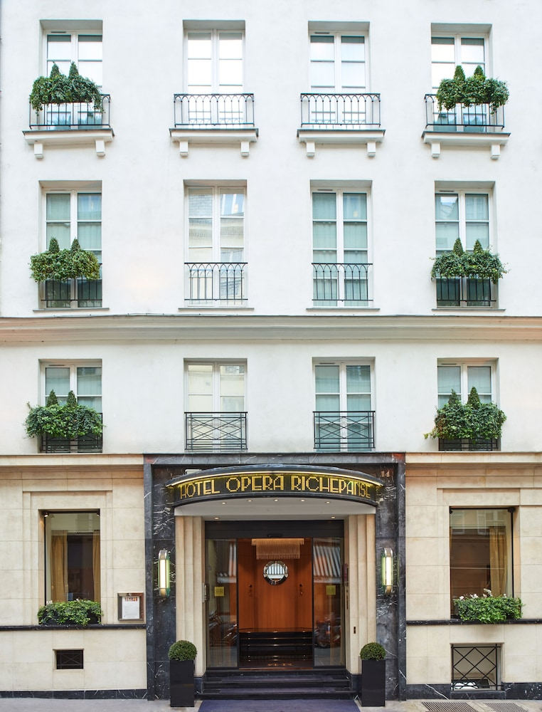 Front of Property, Hôtel Opéra Richepanse