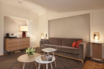 Family Room - Guestroom