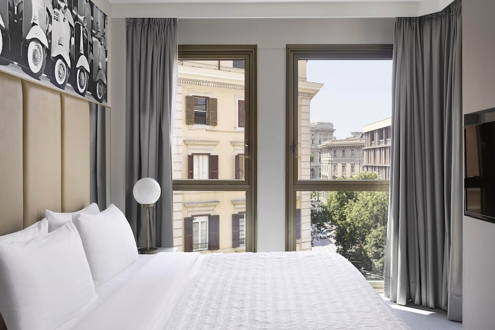 Room, Le Méridien Visconti Rome