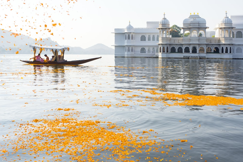 Udaipur Lake Palace Hotel Rates