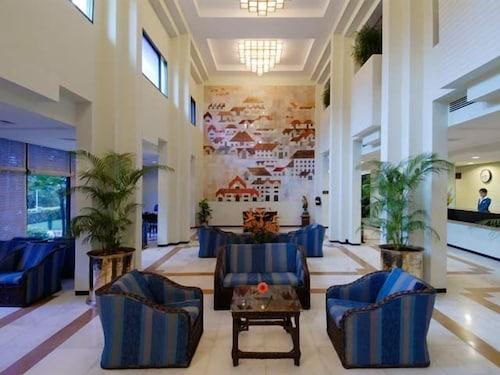 老港路港威飯店