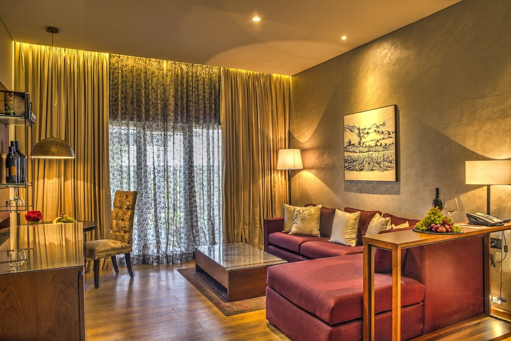 Living Area, The Gateway Hotel Ambad