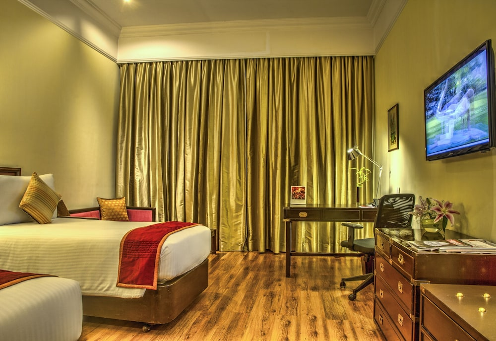 Room, The Gateway Hotel Ambad