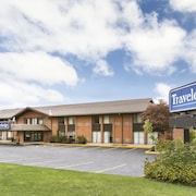 Travelodge by Wyndham Owen Sound ON