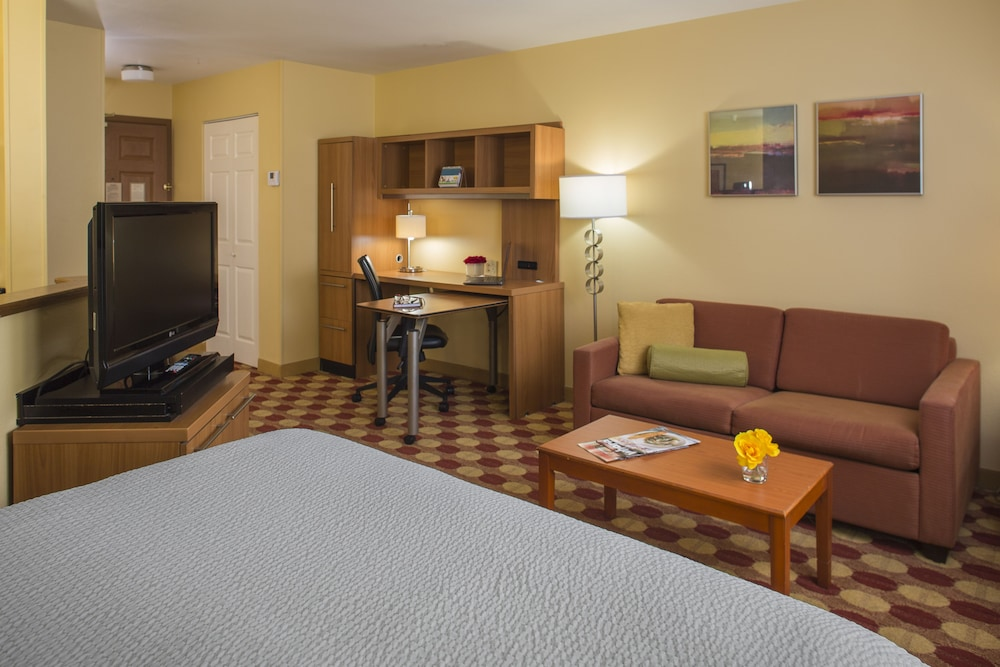 Room, TownePlace Suites by Marriott Metairie New Orleans