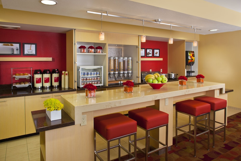 Dining, TownePlace Suites by Marriott Metairie New Orleans