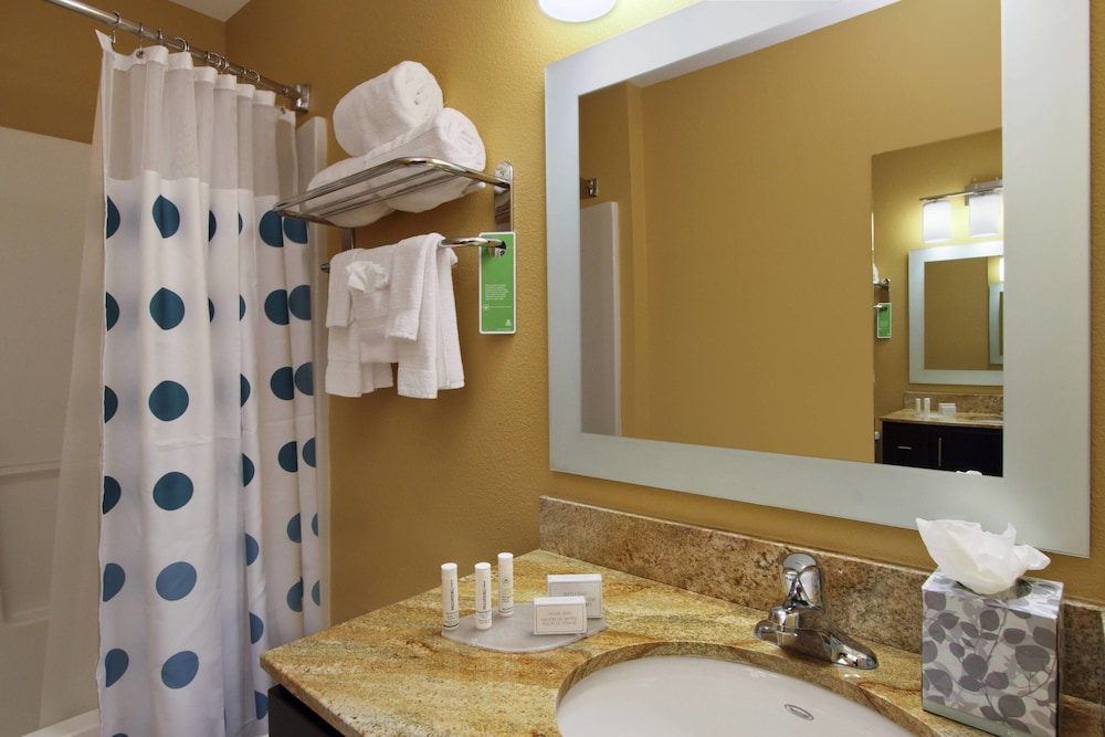 Bathroom, TownePlace Suites by Marriott San Jose Cupertino