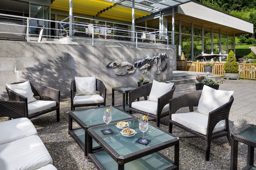 Outdoor Dining, Beausite Park Hotel