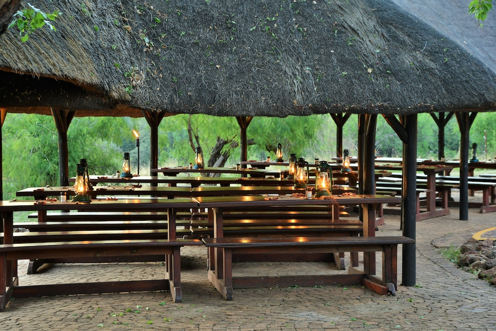 Outdoor Dining, Bakubung Bush Lodge