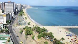 Sulla spiaggia, teli da spiaggia