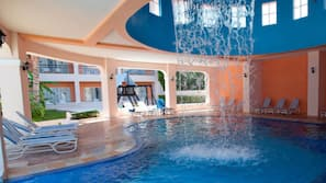 실내 수영장, 5 개의 야외 수영장