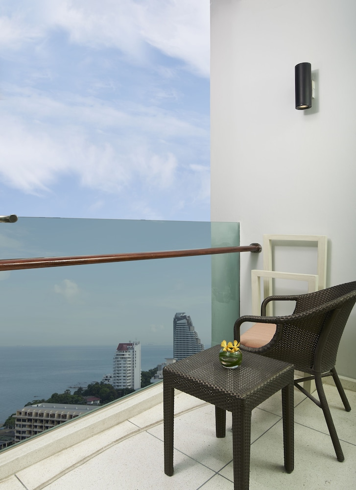 Balcony View, Amari Pattaya