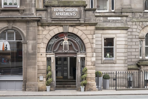 Fountain Court Apartments - Royal Garden