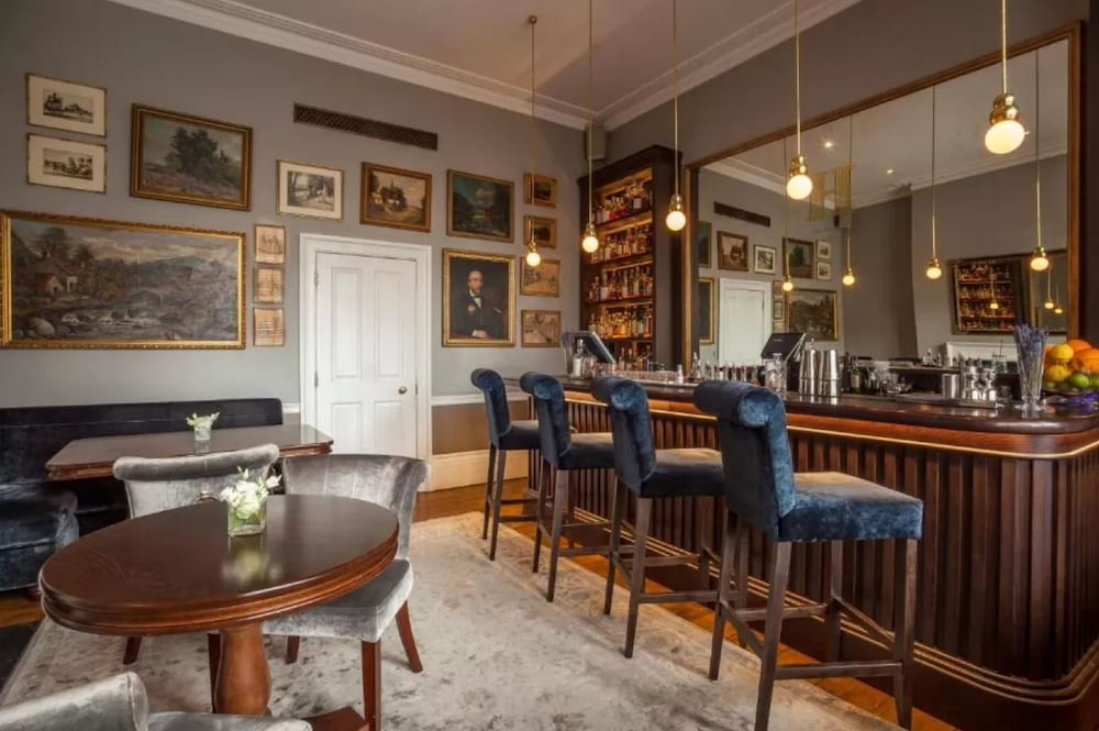 Bar, Roseate House London