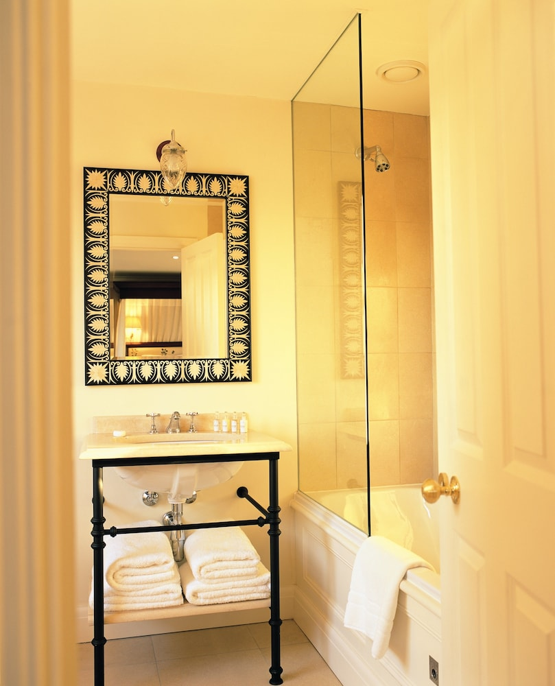 Bathroom, Roseate House London