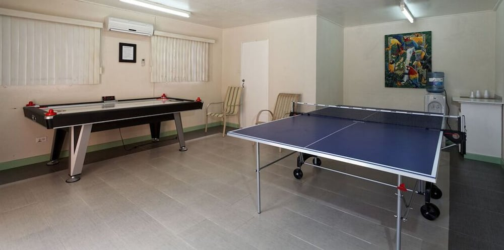 Game Room, Worthing Court Apartment Hotel