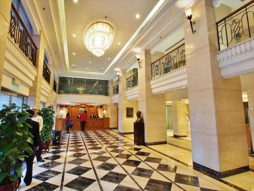 新麗華酒店