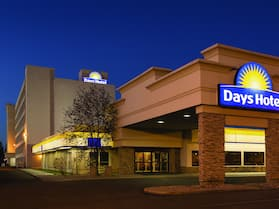 Days Hotel & Suites by Wyndham Lloydminster