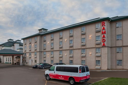 Ramada by Wyndham Red Deer Hotel and Suites