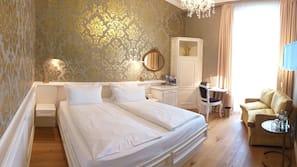 Hochwertige Bettwaren, Minibar, individuell dekoriert
