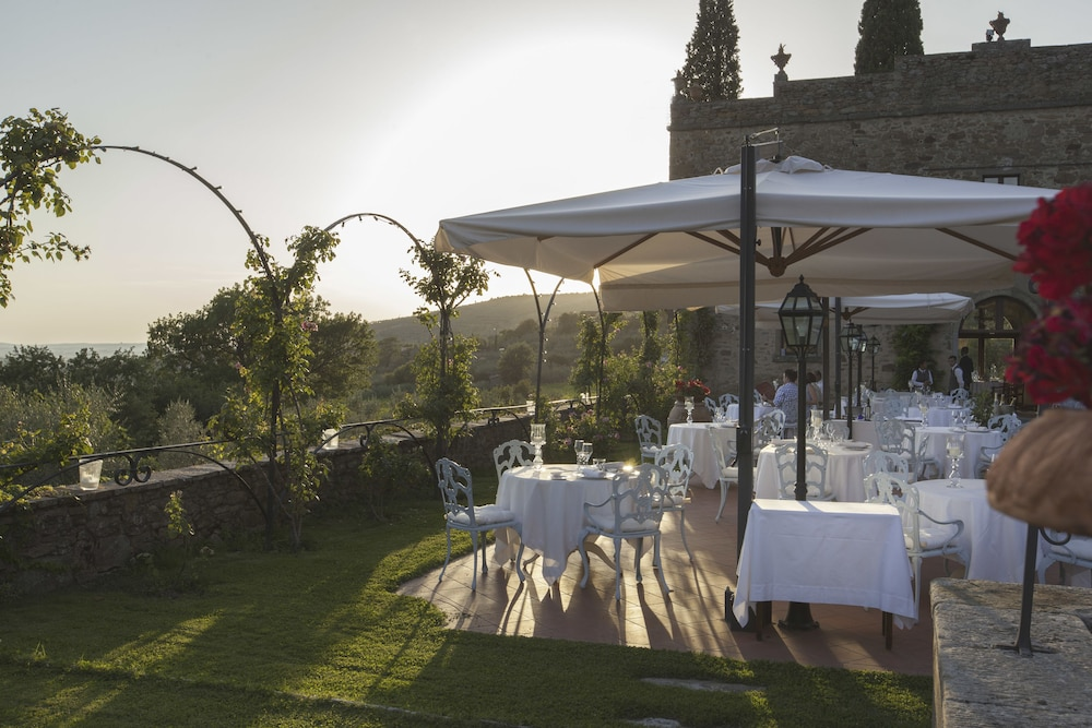 Outdoor Dining, Relais Il Falconiere