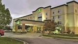 La Quinta Inn & Suites Omaha Airport Downtown - Carter Lake Hotels