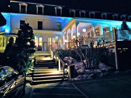 Camden Harbour Inn