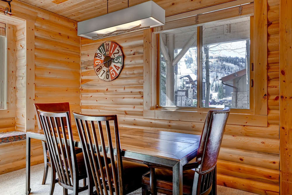 In-Room Dining, Black Bear Lodge by Vacasa