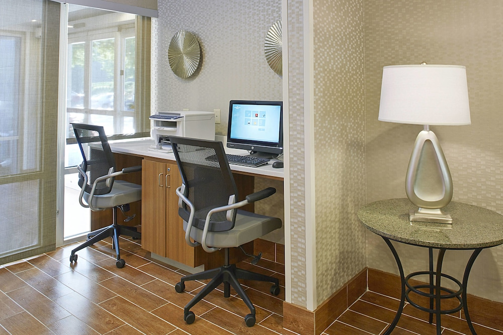 Business Center, Springhill Suites By Marriott Atlanta Six Flags