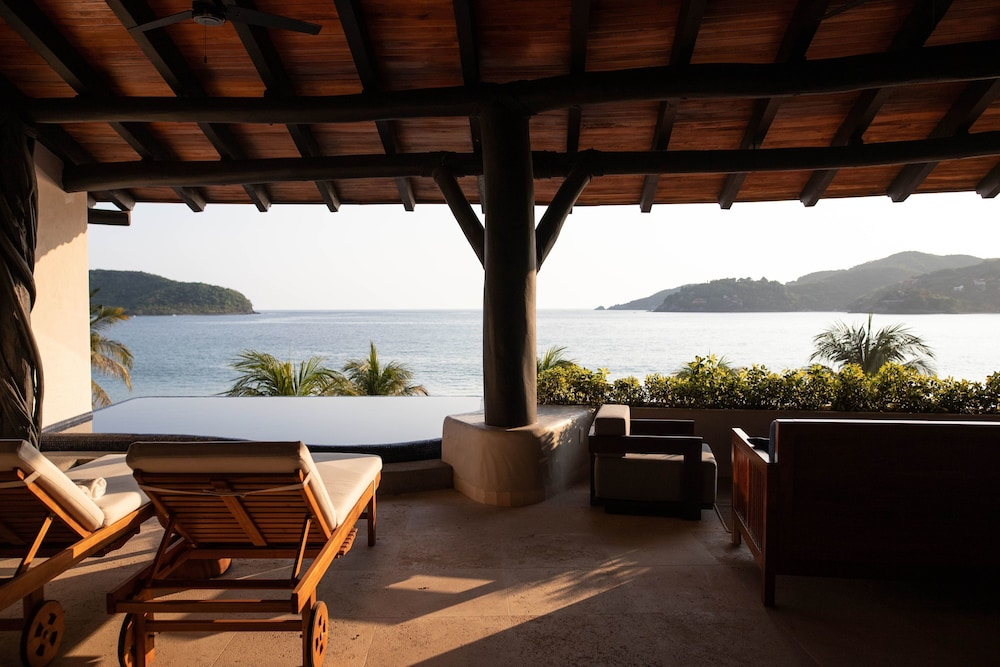 Terrace/Patio, Thompson Zihuatanejo, a Beach Resort