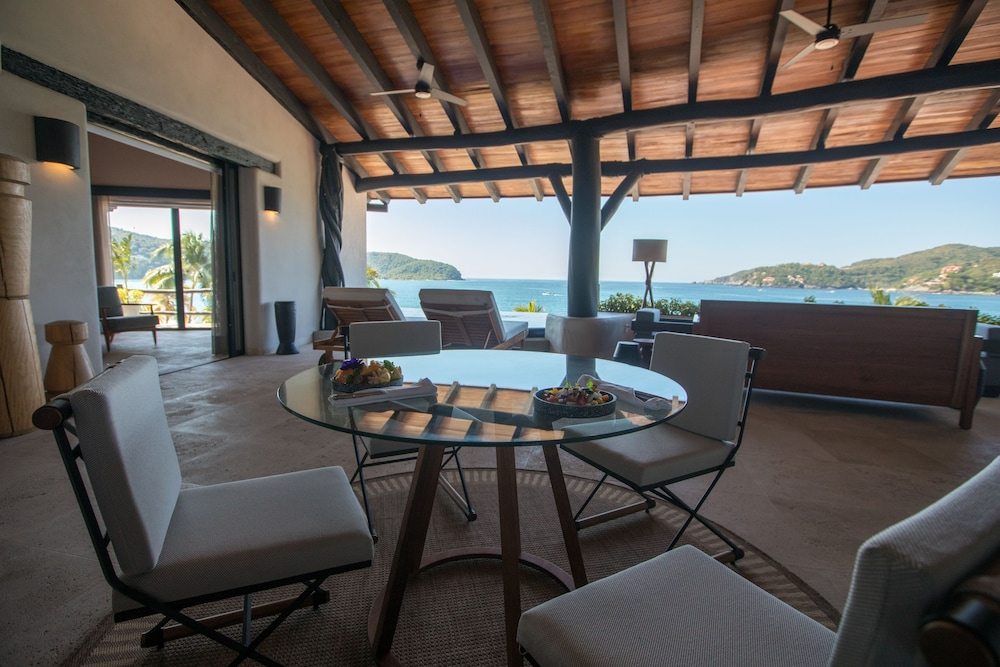 Living Room, Thompson Zihuatanejo, a Beach Resort