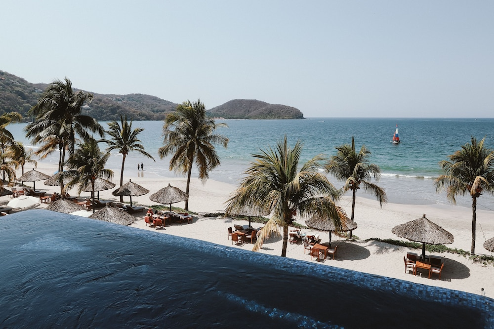 Beach/Ocean View, Thompson Zihuatanejo, a Beach Resort