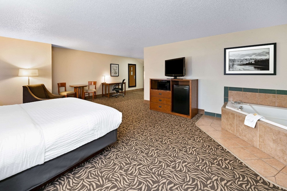 Room, La Quinta Inn by Wyndham Missoula