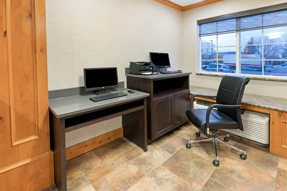 Business Center, La Quinta Inn by Wyndham Missoula