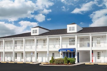 Baymont Inn And Suites Brunswick GA