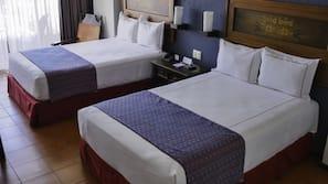 Cortinas opacas, sistema de insonorización, wifi gratis y ropa de cama