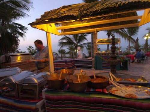 Outdoor Dining, Buena Vista Beach Resort