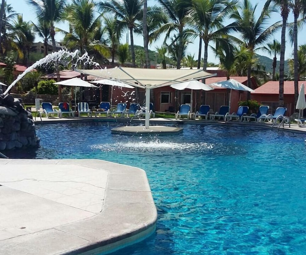 Outdoor Pool, Buena Vista Beach Resort