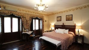 Ropa de cama hipoalergénica, caja fuerte, tabla de planchar con plancha