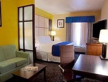 Room, Super 8 by Wyndham Irving/DFW Apt/North