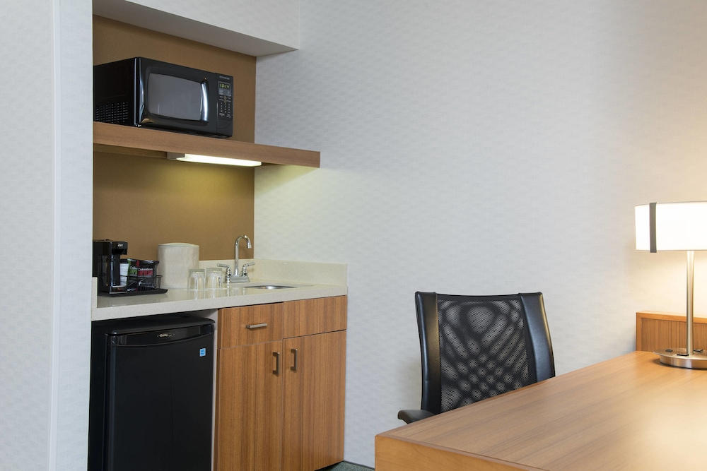 Private Kitchen, SpringHill Suites Peoria Westlake