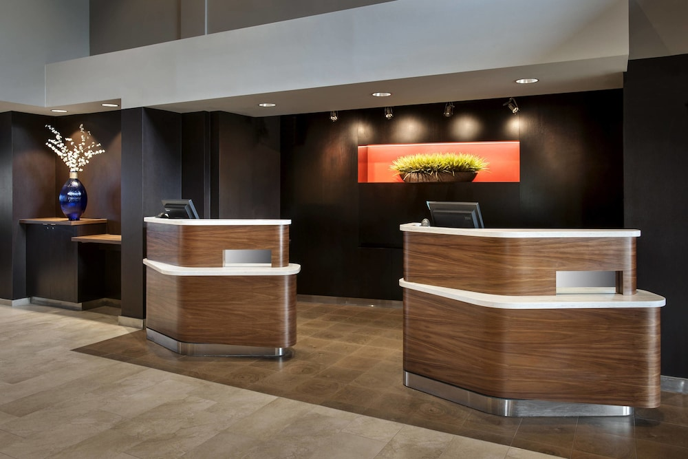 Interior, Courtyard by Marriott Parsippany