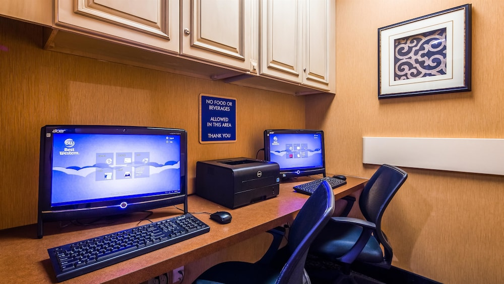 Business Center, Best Western Plus Brandywine Inn & Suites