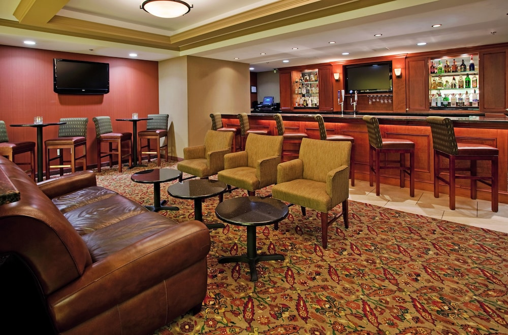 Bar, Holiday Inn Hotel & Suites Overland Park - Convention Center