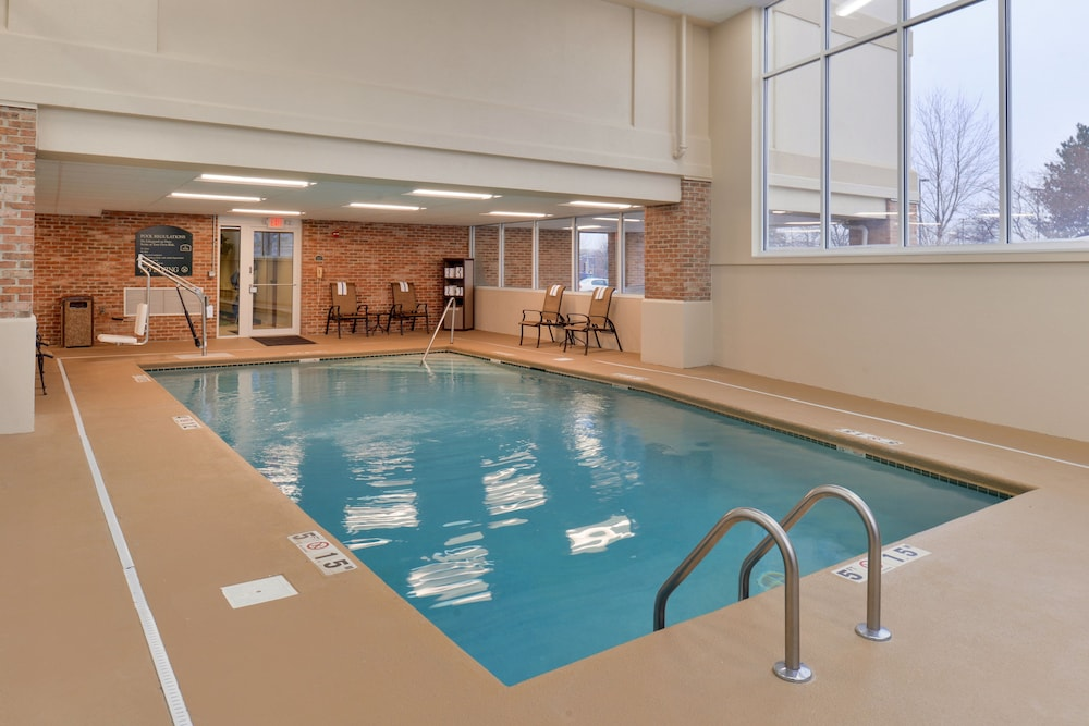 Pool, Holiday Inn Hotel & Suites Overland Park - Convention Center