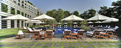 Grand Hyatt Mumbai Hotel and Serviced Apartments